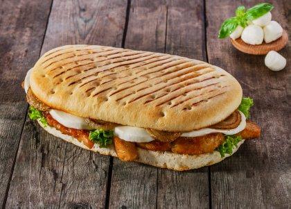 Panini au poulet tandoori et mozzarella