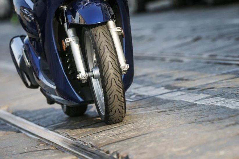 Pneu Pirelli Angel Scooter 2017 : Nouvelle référence Sport Touring