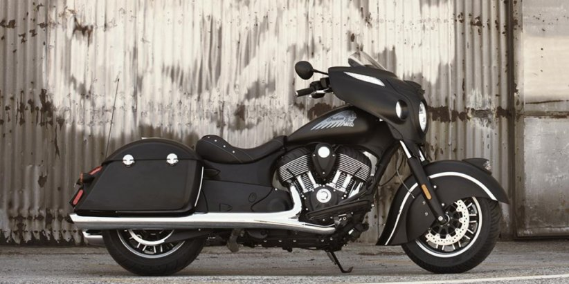 Nouvelle Indian Chieftain Dark Horse : black bagger