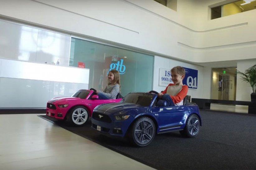 Mustang et McLaren P1 pour enfants