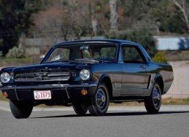 Une rare Mustang 1964 aux enchères