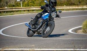 Moto Guzzi V7 II Stone - Special