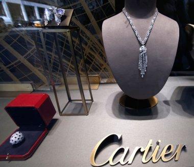 Kering renforce sa division lunettes de luxe avec Cartier