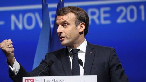 """Emmanuel Macron : """"Je me sens maire de la commune France"""" - Actu Orange"""