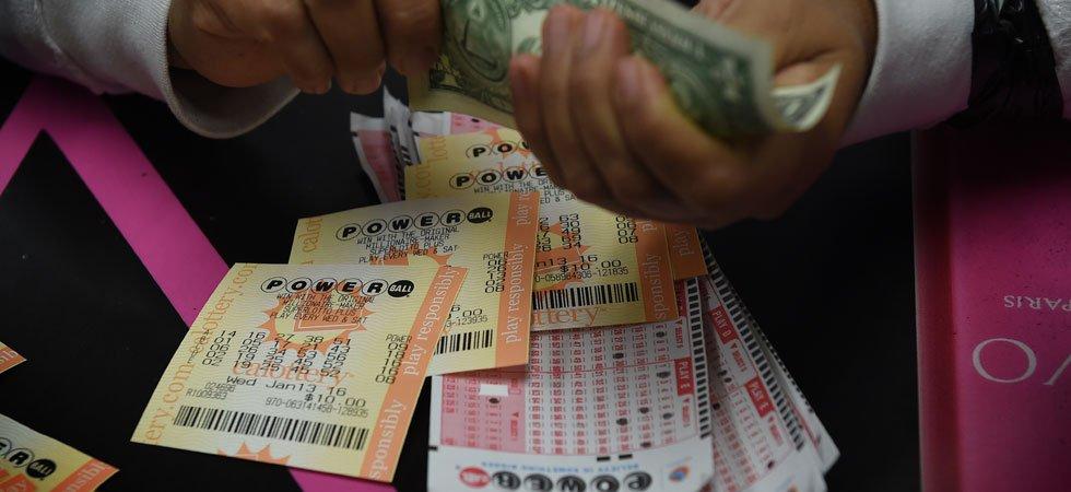 États-Unis : 20 collègues se partagent un jackpot de 421 millions de dollars à la loterie
