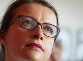 Cécile Duflot met dans l'embarras Karine Le Marchand