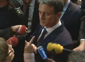 Manuel Valls chahuté par une militante