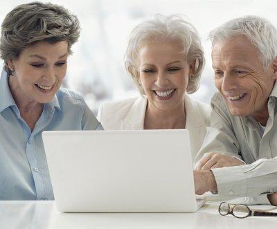 Seniors : 5 conseils pour se mettre à l'heure du digital