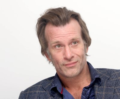 Thomas Jane rejoint The Predator