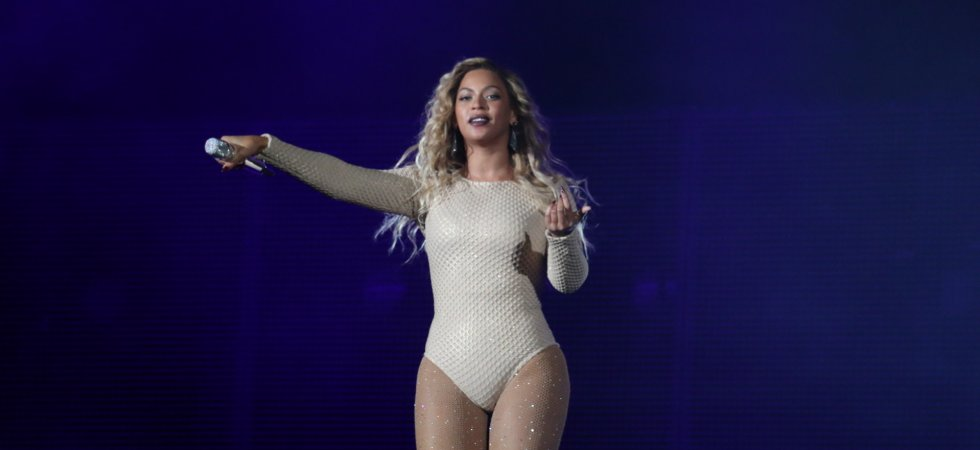 "Beyoncé publie son nouvel album surprise ""Lemonade"""
