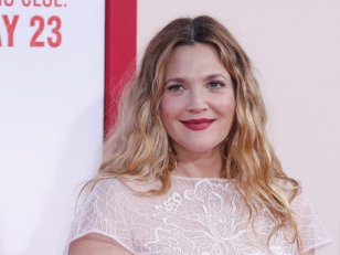 Drew Barrymore assume fièrement son corps de maman
