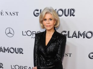 Jane Fonda : son manteau rouge est devenu un symbole