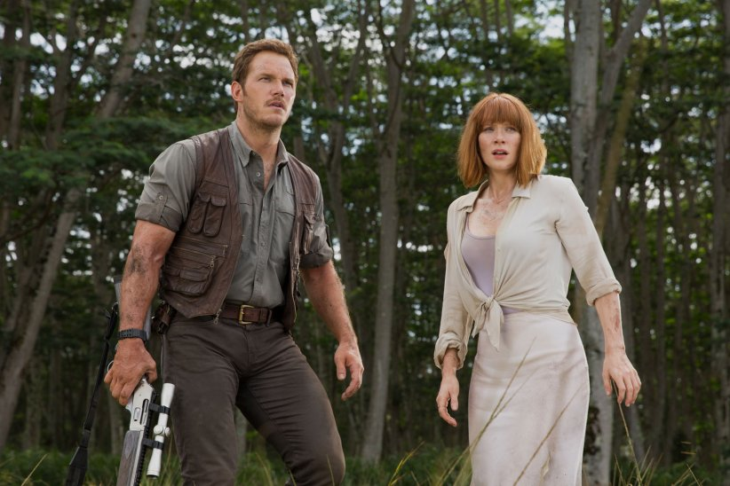 "Bryce Dallas Howard et Chris Pratt dans ""Jurassic World"""