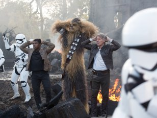 Box-office : Star Wars 7 toujours loin devant