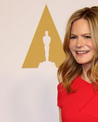 Annihilation : Jennifer Jason Leigh rejoint Natalie Portman