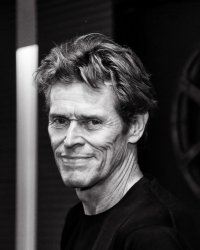 Willem Dafoe en scientifique face à Emma Stone en Frankenstein féminin ?