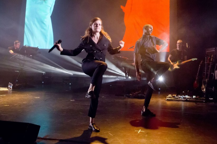 9. Spectacle musical/Tournée/Concert et Vidéo-clip: Christine and the Queens