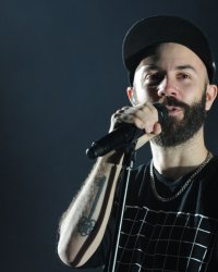 "Woodkid dévoile Land of All, extrait de la BO de ""Desierto"""