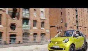 The new smart fortwo Cabriolet 2015 - Driving Video in Green Trailer | AutoMotoTV