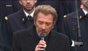 Johnny Hallyday rend hommage aux victimes des attentats