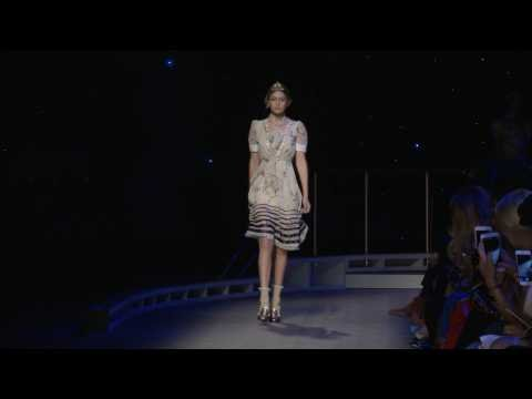 Tommy Hilfiger- collection FEMME Automne-Hiver 2016 17 à New York ... ddcb676339f