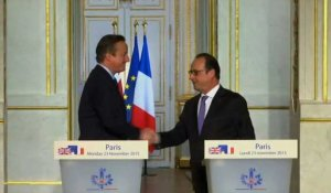 "Syrie: Cameron a la ""ferme conviction"" que la GB doit intervenir"
