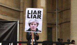 "Londres:""Liar Liar"", une chanson anti-Theresa May, dans le top 5"