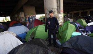 Les images de l'évacuation du plus grand camp de migrants à Paris