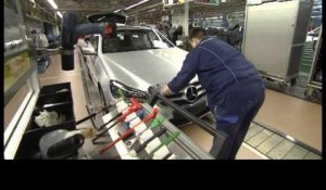 Mercedes-Benz E-Class production part 2 | AutoMotoTV