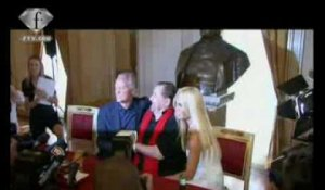 fashiontv | FTV.com - GIANNI VERSACE A TRIBUTE- PRESS CONFERENCE-  LA SCALA MILANO