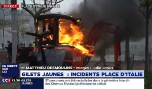 Un engin de chantier incendié place d'Italie à Paris