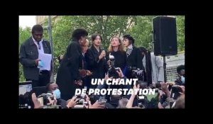 "À la manifestation du 9 juin à Paris, Camélia Jordana entonne ""We Shall Overcome"""