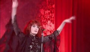 Florence + the Machine - Kiss with a Fist (LIVE)