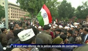 New Delhi: manifestation contre l'action de la police