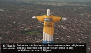 Mondial de football : un christ gonflable au-dessus de Melbourne