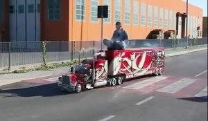 Un camion miniature mais, tellement grand