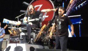 Dave Grohl lets fan play Big Me on stage with the Foo Fighters for fan's birthday