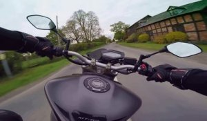 Ce motard rate son virage - gros accident de moto