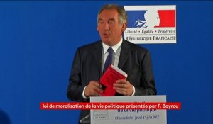 "Bayrou refuse de commenter l'affaire Ferrand : ""La loi me l'interdit"""