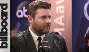 Chris Young Chats About His 2018 Tour with Kane Brown | CMA Awards 2017