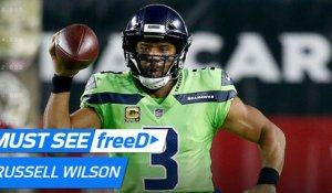 freeD: Russell Wilson runs in circles, completes crazy pass for 54 yards | Week 10