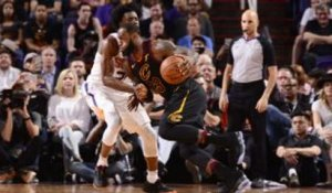 NBA - LeBron James flambe face aux Suns
