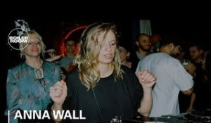 Anna Wall With A 100% Party Starter House Mix | Boiler Room London