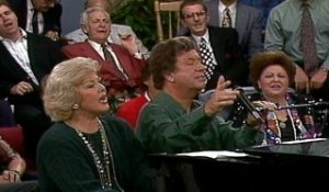 Bill & Gloria Gaither - Away In A Manger / O Come, All Ye Faithful