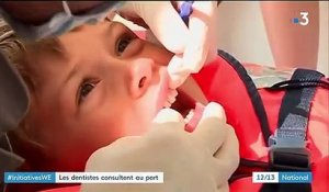 Santé : des dentistes sensibilisent des patients à bord d'un catamaran