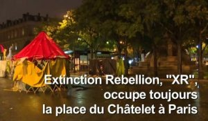 Extinction Rebellion: le blocage au centre de Paris se poursuit