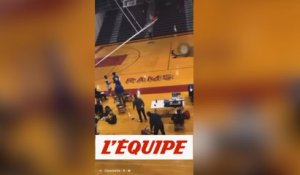 Le dunk destructeur de Murphy - Basket - WTF