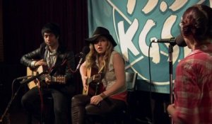 ZZ Ward - Unplugged in the Music Lounge