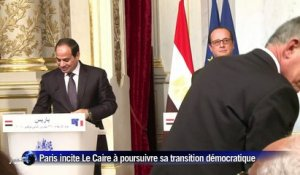 Hollande incite l'Egypte à poursuivre sa transition démocratique