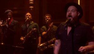 Live de Nathaniel Rateliff & The Night Sweats - S.O.B - Tonight Show starring Jimmy Fallon du 05/08, sur MCM !